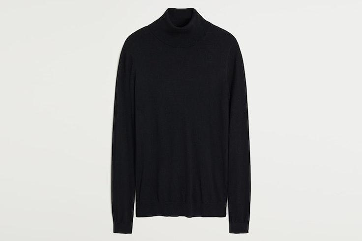 Jersey de cuello alto en color negro de Mango